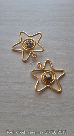 Bijoux : Pendentifs « Etoiles stylées perlées » Or - Réalisation [ Fait-Main ] avec du fil d'aluminium (Ø0,8/1,5/2), des perles métalliques. / Ref. : Pendentif_Duo_Etoiles_Style_Perle_opt.