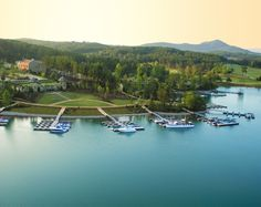 The Reserve at Lake Keowee is a gated golf community near the Blue Ridge Mountains in Sunset, SC. See photos and get info on homes for sale. Best Places To Retire, Places To Travel, Places To See, Best Travel Guides, Park Around, County Park, Blue Ridge Mountains, Lake Life, South Carolina