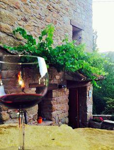 Yo conozco el sitio perfecto para relajarse y disfrutar del tiempo, se llama Olba y está en Teruel, España. Búscalo el google maps!!!!