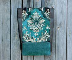 Handmade leatherette and velvet boho bag / casual bag / tote bag / shoulder bag / hipster bag / Bohemian bag / tote / emerald / сумка ручной работы / сумка бохо