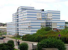 Cerca de mi casa está el centro de salud - Parník, que es grande e importante!!!