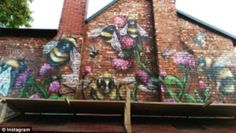 The symbolic bees of Manchester painted on the side of a house in the city Manchester Worker Bee Tattoo, Olivia Campbell, Athens, Bees, Bedroom Ideas, Graffiti, Street Art, Tattoos, City