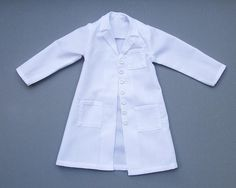 This pattern was designed to fit an Iplehouse JID, but also fits other, smaller MSDs, such as my Doll Leaves Maya. *Note, the first lab coat I made (and used for the steps in the Instruction photo). Barbie Sewing Patterns, Coat Pattern Sewing, Coat Patterns, Jacket Pattern, Sewing Patterns Free, Kids Lab Coat, Doctor Coat, Lab Jackets, Lab Coats