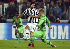 Sami Khedira of Juventus is challenged by Oscar Wendt of VfL Borussia Monchengladbach during the UEFA Champions League group stage match at Juventus Arena on October 21, 2015 in Turin, Italy. (Oct. 20, 2015 - Source: Marco Luzzani/Getty Images Europe)