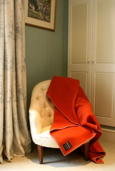 Versailles 100% wool Tranquilitie Blanket set in a beautiful English country home.