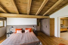 #schlafzimmerideen #bedroomgoals #countrystyle #landhaus #landhausstil Waterfront Homes, Loft, Furniture, Home Decor, Couple Bedroom, Bedroom Ideas, Living Room, Cottage Chic, Architecture