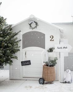 (@veronikakletenska) • Fotky a videa na Instagramu #kids #playhouse #outdoorplay #outdoor #winter #christmas Playhouse Decor, Build A Playhouse, Playhouse Outdoor, Cosy Christmas, Christmas Ideas, Christmas Crafts, Outdoor Play Spaces, Baby Room Decor, Bedroom Decor