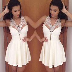 You will regret if you miss this dress. It is a good chance for you to show your beauty and charming style. It features sexy v-neck,with lace spliced design,feminine and sexy. Like it? Buy one!