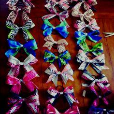 Cheer bows<3