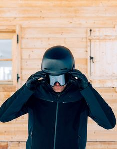 Legendary performance meets sophisticated luxury in this premium wool version of KJUS' much-loved Formula Jacket. Made from Loro Piana wool, dynamic fabric inserts add a fashionable edge, while showcasing its racing-inspired character. Ski Pass, Half Zip Pullover, Line Jackets, Shoulder Pads, Suspenders, Riding Helmets, Skiing, Hooded Jacket, Take That
