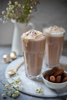 Kaffee-Smoothie mit Espresso, Banane und Datteln