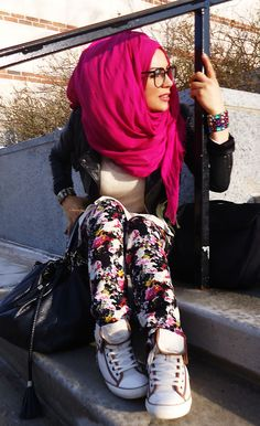 Street Hijab Fashion. I can totally see Nasrin wearing this