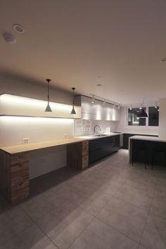[상월곡 인테리어] 동아에코빌 25평 아파트 인테리어_이사전 by 홍예디자인 : 네이버 블로그 Corner Desk, Tiny House, Kitchen Cabinets, House Design, Interior, Room, Furniture, Pantry, Home Decor