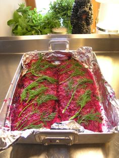 Beetroot gravalax curing!