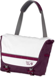 Mountain Hardwear Hilo Messenger Bag is just right for school.