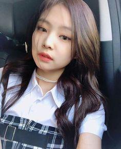'I woke up like this' pose Kim Jennie, K Pop, South Korean Girls, Korean Girl Groups, Stage Outfit, My Girl, Cool Girl, Rapper, Mode Ulzzang