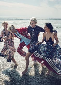 Marie_Claire_US-January_2016-Lucky_Blue_Smith-Pyper_America-Starlie_Cheyenne-Daisy_Clementine-by-Beau_Grealy-02.jpg 1,149×1,600 ピクセル