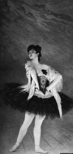 this ballet photo from 1913 almost looks like a Goya painting! http://www.huffingtonpost.com/2014/10/31/ballet-photos_n_6077576.html