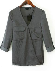 Blusa cuello pico bolsillos-gris 11.96