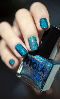 Drop of Teal, holographic, nail lacquer, nail polish