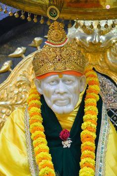 Sai Baba Pictures, God Pictures, Radha Krishna Love Quotes, Krishna Art, Shree Ganesh, Ganesha, Hanuman Pics, Shirdi Sai Baba Wallpapers, Sai Baba Hd Wallpaper