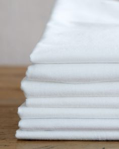 How to Wash White Clothes and Keep Them Looking as Bright as They Did on Day One by Martha Stewart Household Cleaning Tips, Diy Cleaning Products, Martha Stewart, Yellow Underarm Stains, Washing White Clothes, Clean White Clothes, Cleaning White Shirts, Arm Pit Stains, Super White