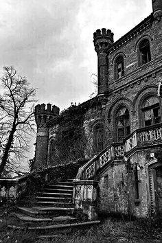 Nice but abandoned...❤
