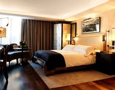 Luxury Hotel Suites in London | Superior Junior Suite | the Connaught