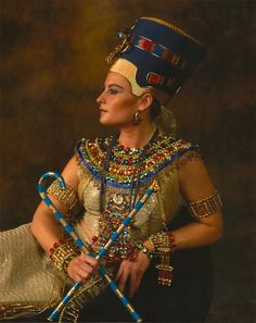 Egyptian Halloween 4 by snowsowhite on DeviantArt Ancient Egyptian Clothing, Ancient Egypt Fashion, Egyptian Fashion, Egyptian Beauty, Ancient Egypt Art, Egyptian Goddess, Egyptian Art, Ancient Egyptian Women, Ancient Aliens