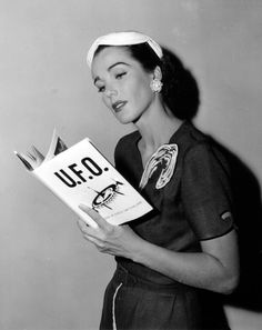 Julie Adam's from Creature From The Black Lagoon Julie Adams, Ufo, Science Fiction, Black Lagoon, Woman Reading, Field Guide, Retro Futurism, In Hollywood, Vintage Hollywood