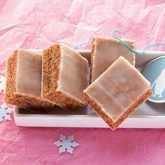 Mini-Lebkuchen, die weniger mit ihrer Größe als vielmehr mit ihrem Aroma punkten. Und somit sichern sie sich einen festen Platz auf dem Plätzchentelle...