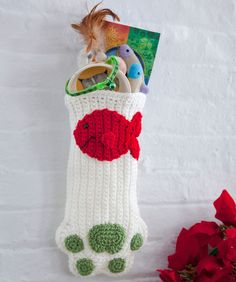 Cat Paws Christmas Stocking FREE crochet pattern ||| Red Heart Yarn