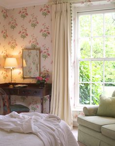 Bamboo Room Bedroom Bed, Cozy Bedroom, Bedrooms, Floral Bedroom Decor, White Trim, Cottage Style, Carpentry, Country Style, Boudoir
