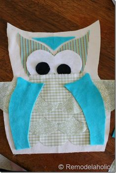IMG_1541 (400x600) Scrap Fabric Projects, Fabric Scraps, Sewing Projects, Owl Sewing Patterns, Baby Quilt Patterns, Owl Pillow Pattern, Small Craft Rooms, Owl Bags, Burlap Pillows