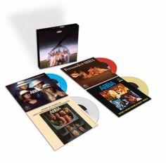 """Zur Feier der Platte wird """"Arrival"""" nun als limitierte Half-Speed-LP aufgelegt – außerdem erscheinen die vier Singles des Albums als 7""""-Picture-Discs: """"Dancing Queen"""", """"Knowing Me Knowing You"""", """"Money Money Money"""" + """"Fernando"""" (das damals nicht auf allen """"Arrival""""-Fassungen enthalten war).  Der streng limitierten LP sind neue Liner Notes des schwedischen Journalisten Jan Gradvall beigefügt, der mit dem damaligen Produzenten und """"fünftem Bandmitglied"""" Michael B. Tretow ein Interview führte."""