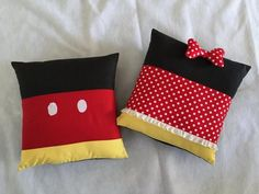 Minnie and Mickey Inspired Pillows | We can't handle how cute these DIY pillows are!