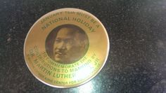 VINTAGE MARTIN LUTHER KING CAMPAIGN BUTTON Commemorative Holiday