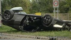 Смертельная гонка Audi R8 и Porsche 911. Сложно пройти очередную новость с аварией Audi R8. Этот суперкар в последнее время частенько попадал в нашу ленту экзотических аварии, а в этот раз происшествие закончилось смертью водителя R8. Инцидент произошел на трассе A6 в местечк