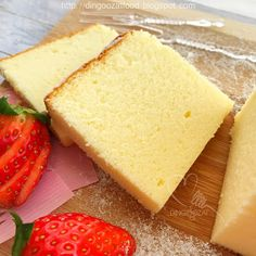 Japanese Cheesecake aka Japanese Cotton Cheesecake - light, pillowy soft and fluffy cheesecake. Japanese Cotton Cheesecake, Japanese Cheesecake Recipes, Japanese Recipes, Light Cheesecake, Fluffy Cheesecake, Ogura Cake, Different Kinds Of Cakes, Cotton Cake, Eating Fast