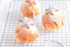 Een van mijn favoriete toetjes zijn warme appelbollen met vanille ijs en slagroom. Heerlijk! En supermakkelijk om te maken.