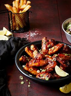 Hot wings of any kind are always popular in my house. This one rates very highly and I never seem to cook enough. Korean Chicken Wings, Korean Fried Chicken, Baked Chicken Wings, Chicken Wing Recipes, Chiken Wings, New Zealand Food, Pub Food, Buffalo Wings, Light Recipes