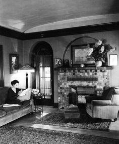 Kay Francis at home reading a book c.1930s