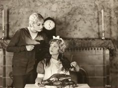 Thelma Todd, Doris Dawson