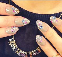The most amazing Swarovski nails by Wah! I need these in my life Great Nails, Cute Nail Art, Fabulous Nails, Gorgeous Nails, Hot Nails, Hair And Nails, Stiletto Nail Art, Nude Nails, Swarovski Nails