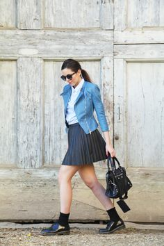 Man shirt outfit, spring outfit with a blu jacket and a white-blu shirt with a black skirt and Balenciaga Bag www.ireneccloset.com