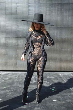 """heaux-ass: """"girlsluvbeyonce: """"Formation World Tour in Santa Clara (Sep. """" That's sexy Estilo Beyonce, Beyonce 2013, Beyonce Knowles Carter, Beyonce Style, Beyonce And Jay Z, Rihanna, Beyonce Beyonce, Beyonce Formation Tour, Stage Outfits"""