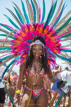 26 Beautiful Photos from the Annual Trinidad and Tobago Carnival - BGLH Marketplace Carnival Girl, Brazil Carnival, Carnival Outfits, Trinidad Carnival, Carnival Makeup, Rio Carnival Costumes, Carribean Carnival Costumes, Caribbean Carnival, Trinidad Caribbean