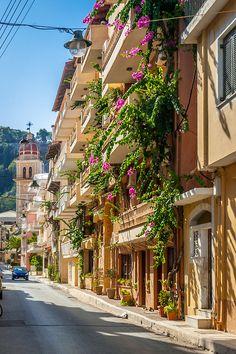 Cultura e paisagens de tirar o folego já é sabido que a Grécia oferece, mas outro atrativo é a arquitetura, belíssima. Zakynthos, Greece
