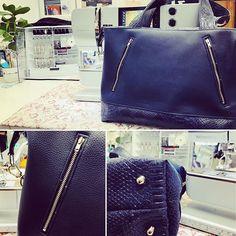 Dodie Plt sur Instagram: Premier cadeau sous le 🌲! Sac #javasmall de @patrons_sacotin. Kit et simili splendide #lamerceriedescreateurs. 3 poches zippées dont une…