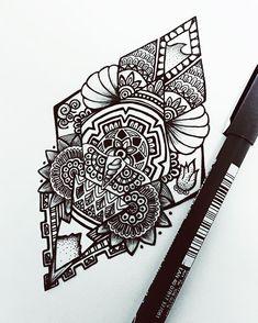 Mi regalo del amigo invisible de este año, diseño para @angel_6b Y vosotros, qué regalaréis o habéis regalado? • • • #tattoo #tattoos #tatuaje #tatuajes #ink #inked #tattoodesign #design #diseño #maletattoo #malemodel #male #maletattoos #tatuajespequeños #mandala #mandalas #zentangle #zen #doodle #doodling #maori #maoritattoo #fourelements #tattooing #tattooink #inkmodel #mySTAEDTLER